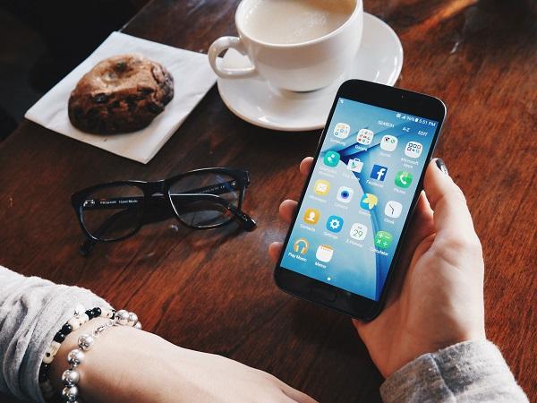 social media op telefoon